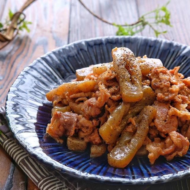 【らくレピ】豚肉とこんにゃくの甘辛スタミナマヨ炒め乾煎りしたこんにゃく...
