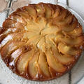 キャラメル風味の洋梨のアップサイドダウンケーキ