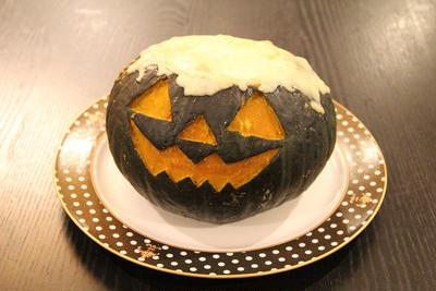 ハロウィンに丸ごとかぼちゃでグラタンを作ろう!!