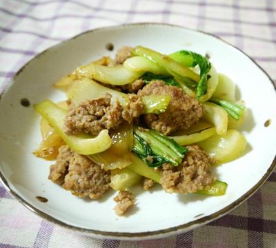 豚ひきとチンゲン菜の炒めもの