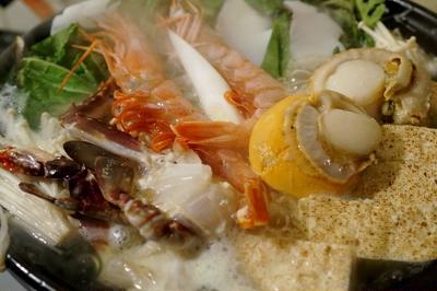 ■居酒屋メニュー【簡単!!美味しい!!海鮮鍋】お野菜は全て自家菜園調達です♪