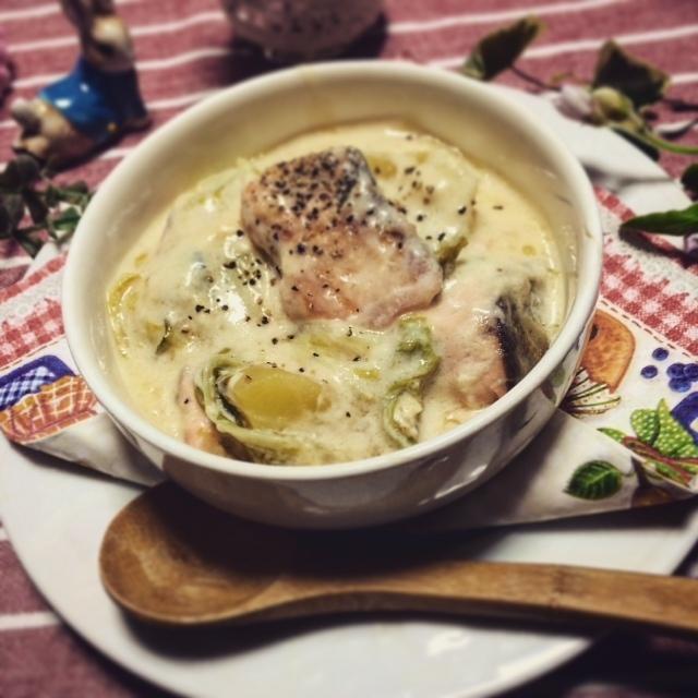 寒い日に♪白菜☆じゃが芋☆鮭のあったかクリーム煮