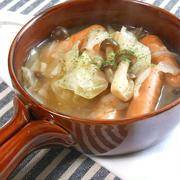簡単!キャベツとソーセージのボリューミィなスープとくらしのアンテナ掲載きのこスープ。