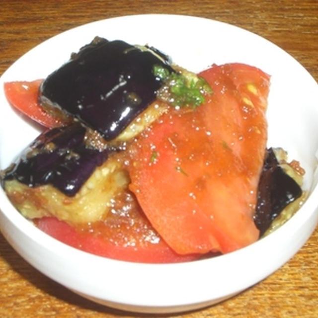 揚げなすとトマトのサラダ