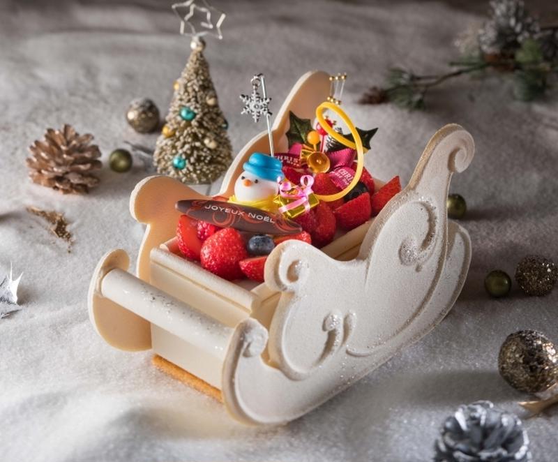 スノーマンと一緒に、銀世界を楽しくソリ滑りしたくなってしまうようなキュートなクリスマスケーキ!<br...