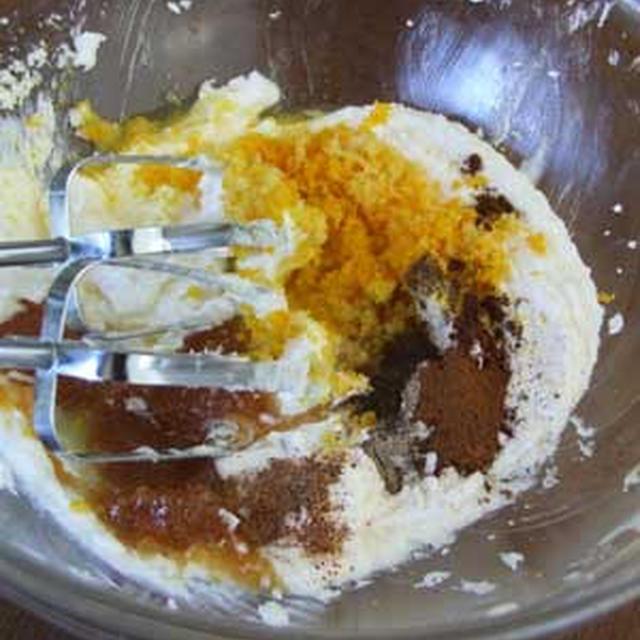 日本のカステラがスリランカではラブケーキ
