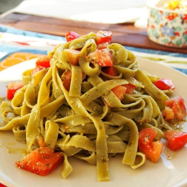 ジェノベーゼとトマトの冷製パスタ