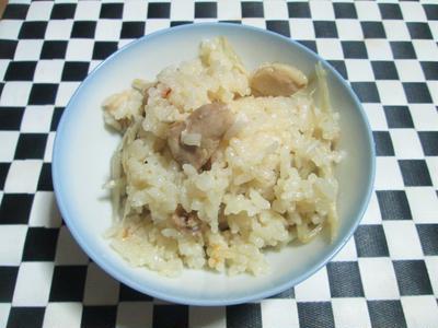 鶏のスープが濃厚!絶品!鶏とごぼうの炊き込みご飯