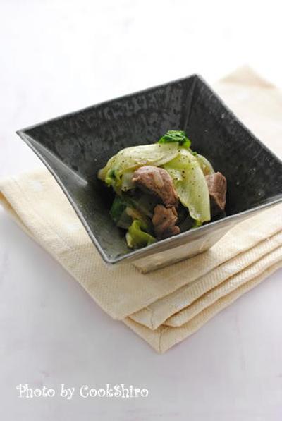 牛ヒレ肉とレタスの黒胡椒炒め