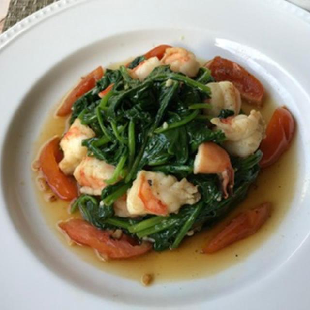 海老とほうれん草のテインバレス&ひよこ豆のサラダ&桃のヨーグルトスープ