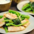 鶏胸肉とカイラン菜のニンニク炒め
