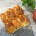 プレゼント用リンゴ入りちぎりパンと今日のブランチ~♪♪ by pentaさん