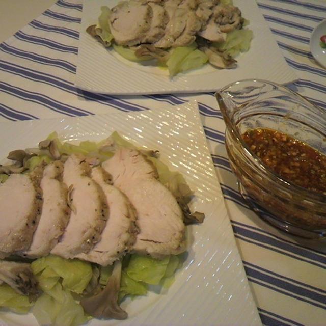 『ゆで鶏のピリ辛ねぎソースがけ』ヘルシーで家計に優しいレシピ