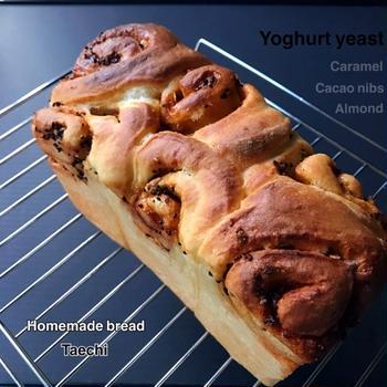 ヨーグルト酵母キャラメルナッツ山食パン