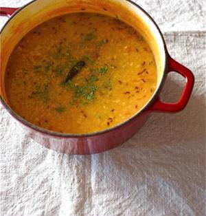 気軽に菜食者カレー、赤レンズ豆のカレー。