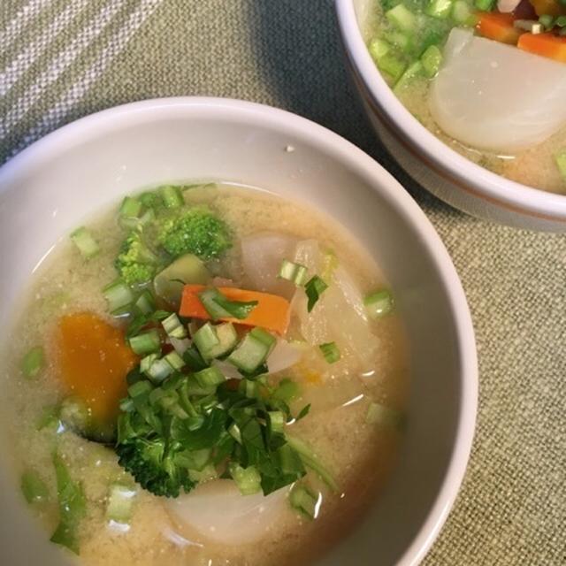 野菜ゴロゴロ豆乳味噌スープ