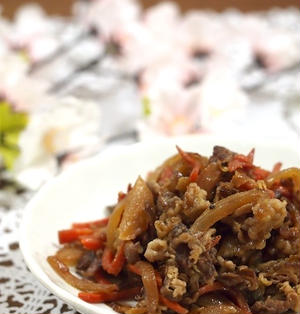 牛肉と玉ねぎの甘辛煮