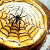 クモの巣模様のパンプキンチーズケーキ