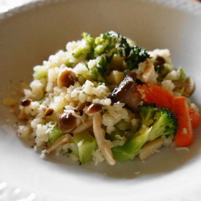 秋冬旬野菜ブロッコリーの扱い方:レシピ 茸とブロッコリーのコンテチーズリゾット