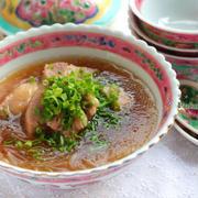 アジア気分を満喫♪豚肉スープ「バクテー」の作り方
