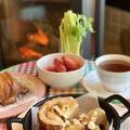 今日は甘い朝食からの始まり~焼きリンゴと地元産苺