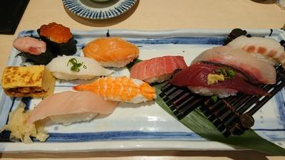 外国人観光客向けな寿司屋でランチ【きづなすし西新宿店】