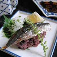 黒米【焼き秋刀魚の握り】