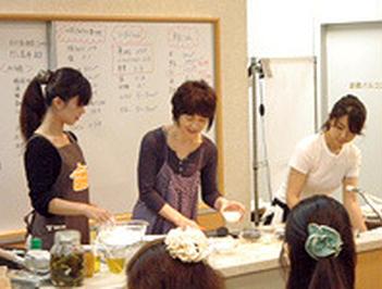 10月16日(土)17:00~名古屋にて開催!栗原はるみさん クッキング教室 ~最新のSiセンサーコンロの便利機能を体験!~