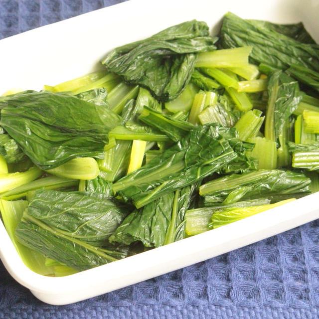 人気のレンジで簡単作り置きレシピ。小松菜のおひたしの作り方。白だしで味付けラクラク!