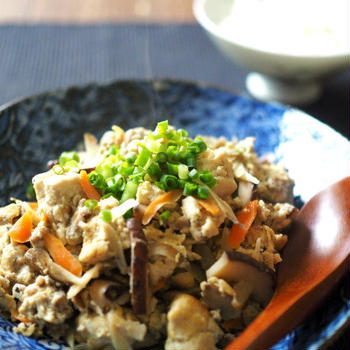 地味な料理は美味しいのです・炒り豆腐