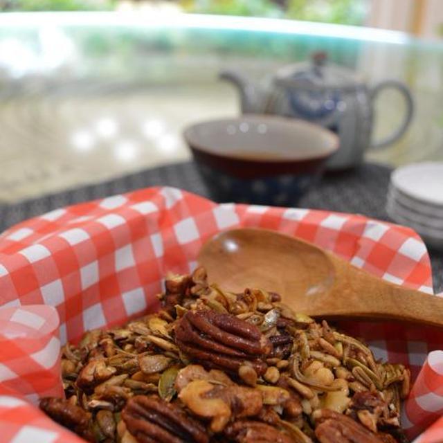 煮干とナッツの田作り風スナック & 庭の様子