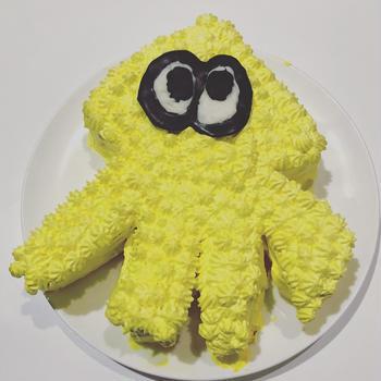 スプラトゥーンのイカちゃんケーキ