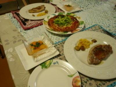 イタリアン ポークソテーと野菜ピザ