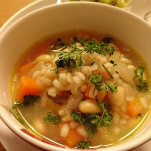 ダイエットに役立てたい!「もち麦のスープ」おすすめレシピ