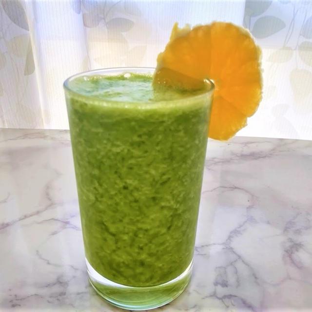 『ケール』の美肌スムージーレシピ2種【肌を守るためのカロテン+ビタミンC①】