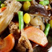 ■季節料理【八つ頭の茎(ズイキ)と根菜の甘辛炒め煮】