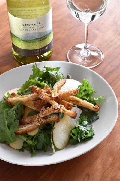 和食とワイン「春菊とりんごの和風ごまサラダ」