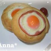 みんなに愛される惣菜パン♪ モテ☆たまごお月見パン by.Anna