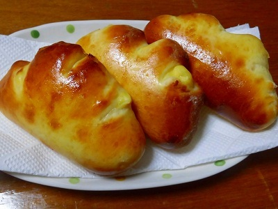 カスタードを作り冷たいクリームパンを食べました~