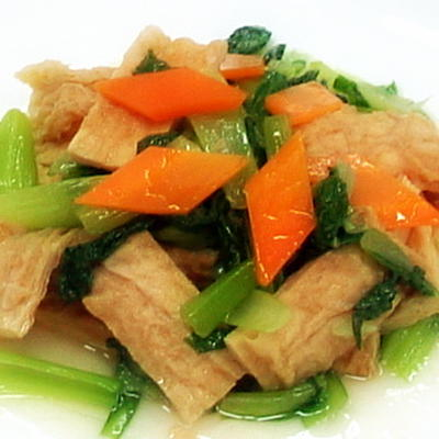 豆包炒青江菜│油揚げとチンゲンサイの中華炒め