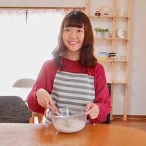 ネクストフーディスト3期生。大学生料理研究家として、企業のレシピ開発なども担当。「焼き菓子が得意ジャ...