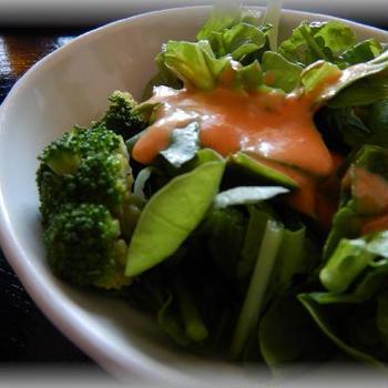 ルッコラとブロッコリーのサラダ~緑たっぷり