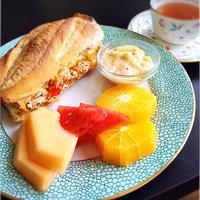 リプトンひらめきレシピ★イエローラベルとツナとチーズのとろとろホットサンド