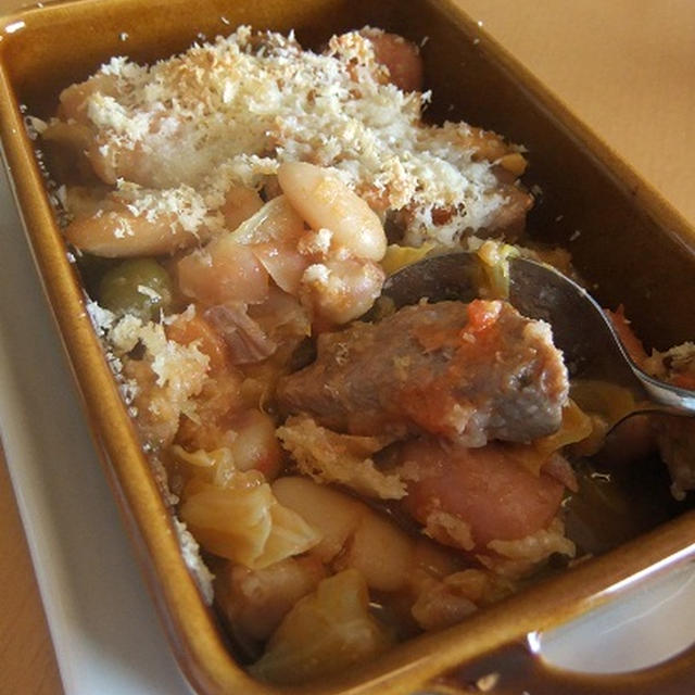 白いんげん豆と豚肉とソーセージでカスレ気分