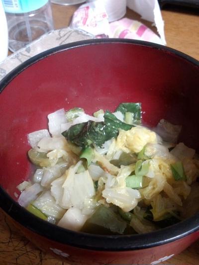 白菜炒めを酢で味付け