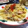 <簡単パスタ♪塩鮭としめじとたまごの和風っぽいスパゲッティー>