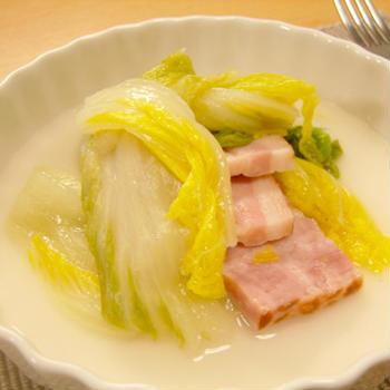 白菜とベーコンのシンプル蒸し煮