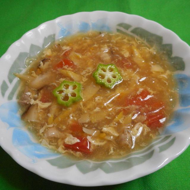 トマトとおくらの卵スープ