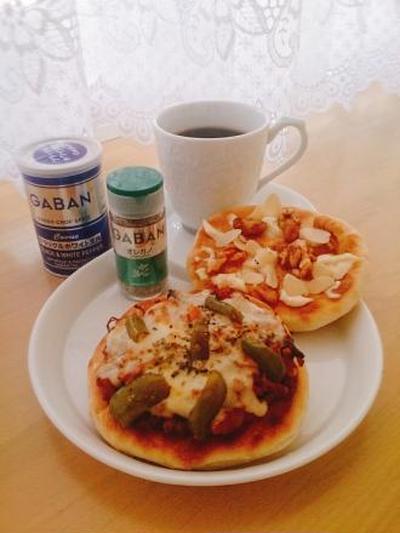 オレガノ香る♪トマトソース☆手作りピザ♪