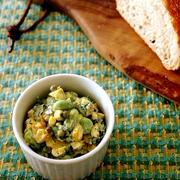 とうもろこしと枝豆の黄色いサラダ・パン&おちびさん♪